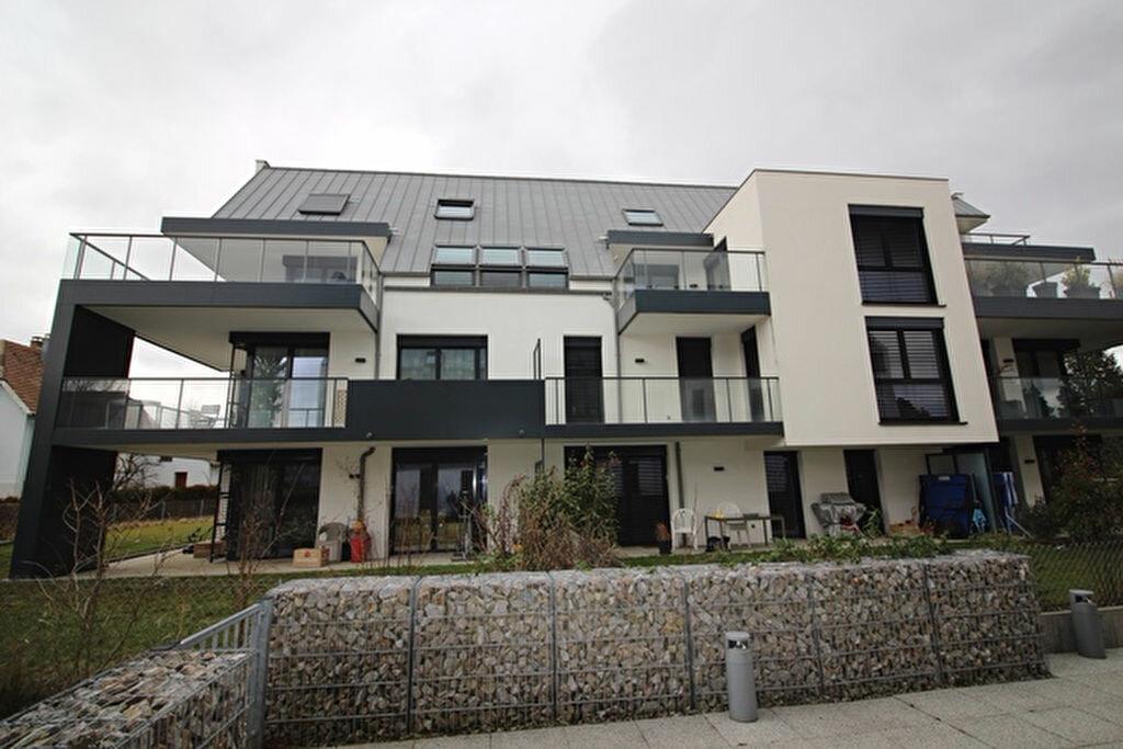 Appartement à louer 3 69.75m2 à Niederhausbergen vignette-2