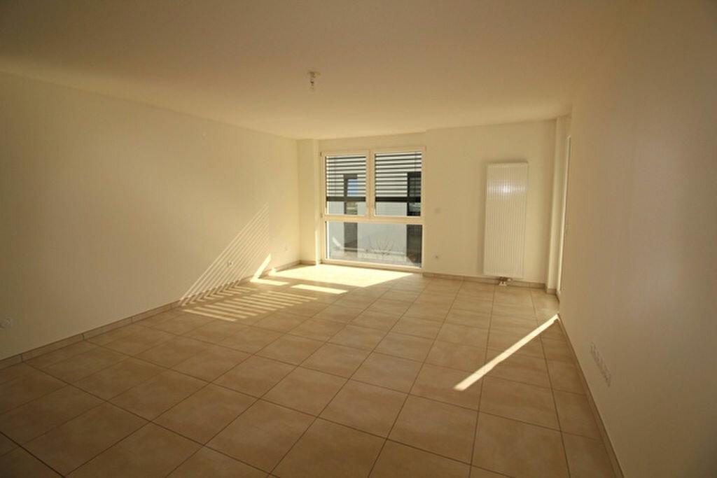 Appartement à louer 3 69.75m2 à Niederhausbergen vignette-4