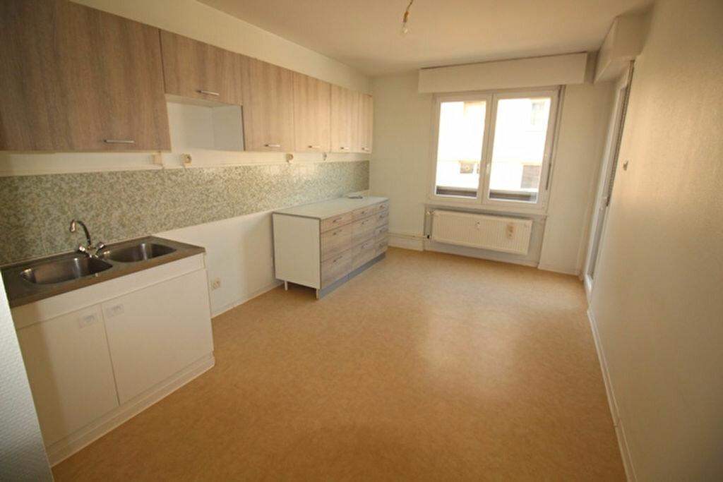 Appartement à louer 3 71m2 à Strasbourg vignette-3
