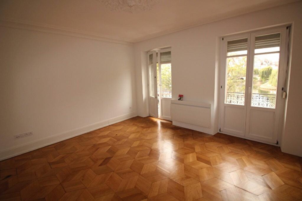Appartement à louer 4 77.18m2 à Strasbourg vignette-1