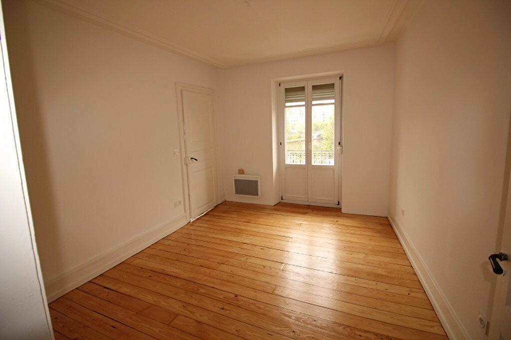 Appartement à louer 4 77.18m2 à Strasbourg vignette-3