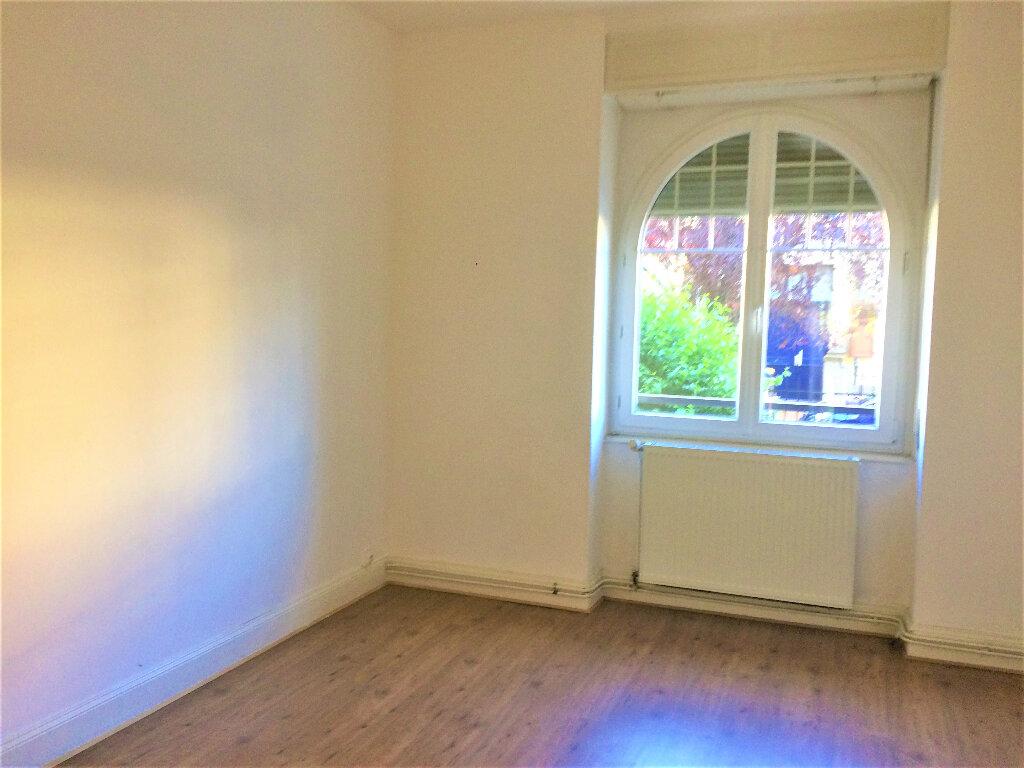 Appartement à louer 4 75.34m2 à Strasbourg vignette-4