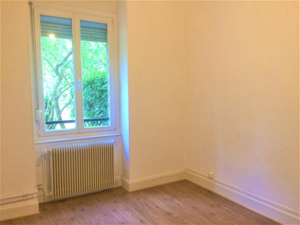 Appartement à louer 4 75.34m2 à Strasbourg vignette-7