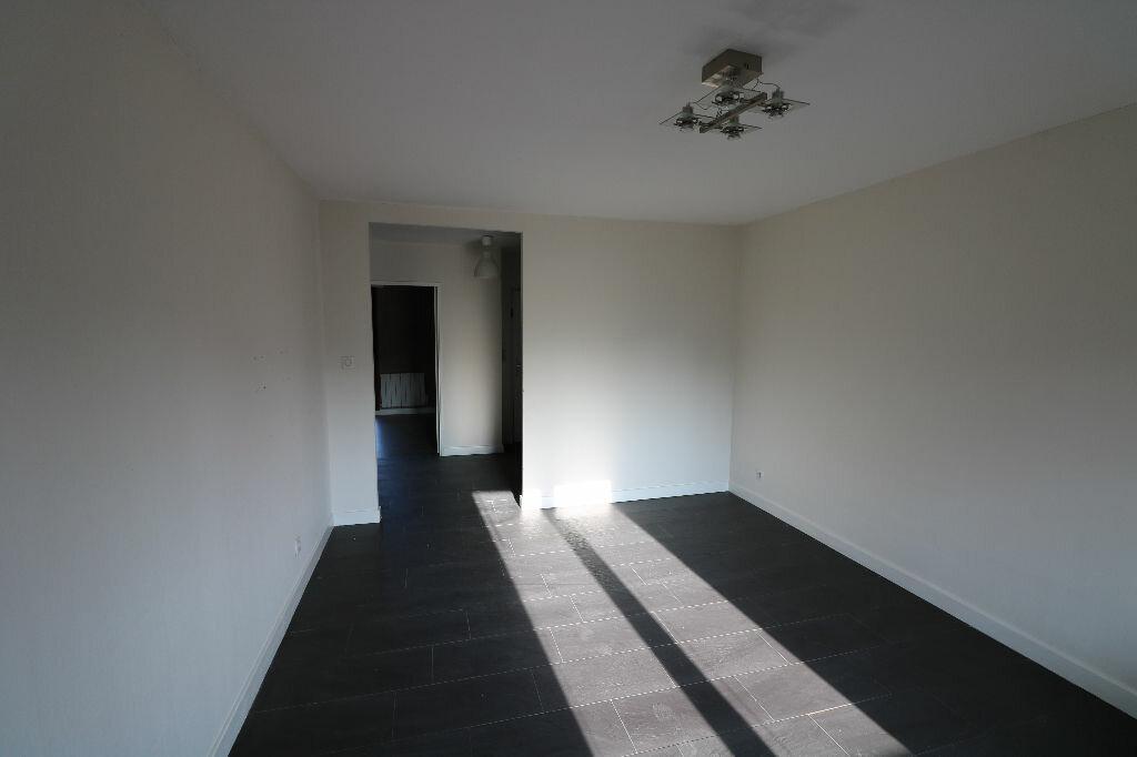 Appartement à louer 3 70.25m2 à Souffelweyersheim vignette-3