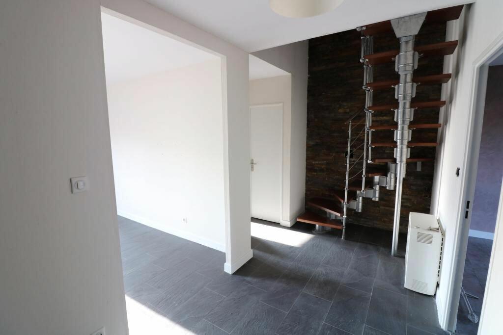 Appartement à louer 3 70.25m2 à Souffelweyersheim vignette-4