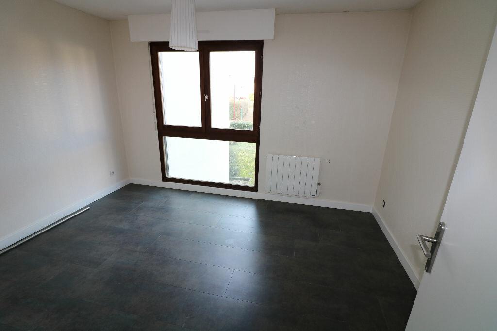 Appartement à louer 3 70.25m2 à Souffelweyersheim vignette-5