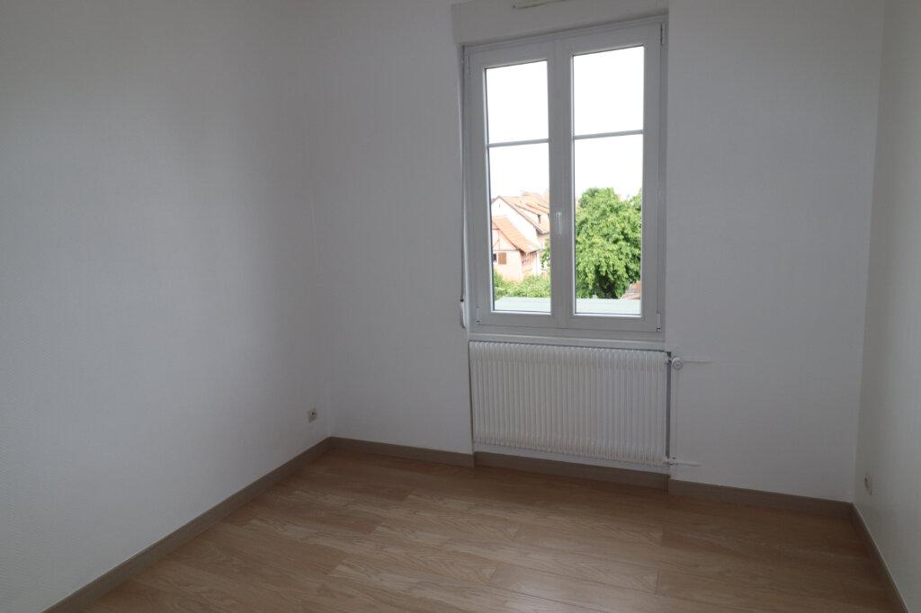 Appartement à louer 3 52.72m2 à Schiltigheim vignette-3