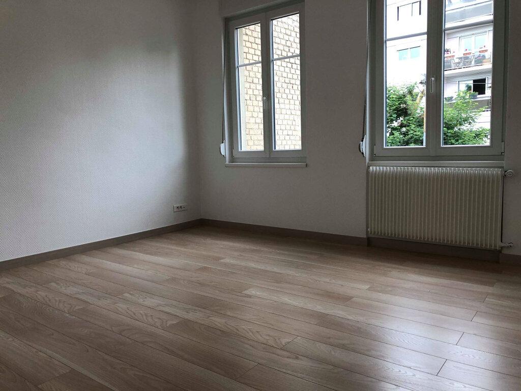 Appartement à louer 3 52.72m2 à Schiltigheim vignette-4