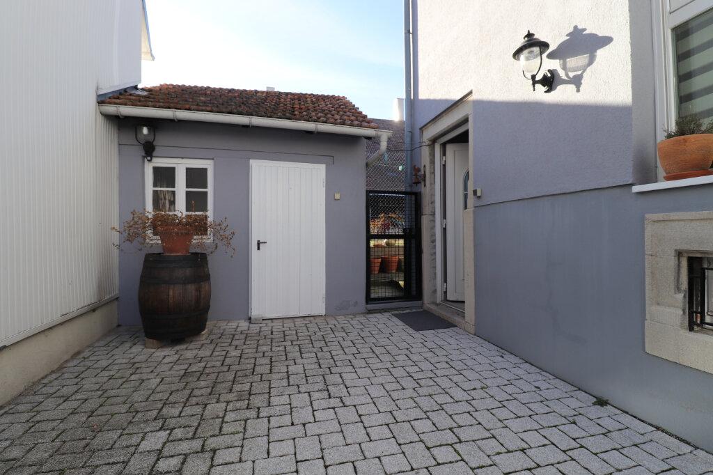 Maison à louer 5 117m2 à Hoenheim vignette-11