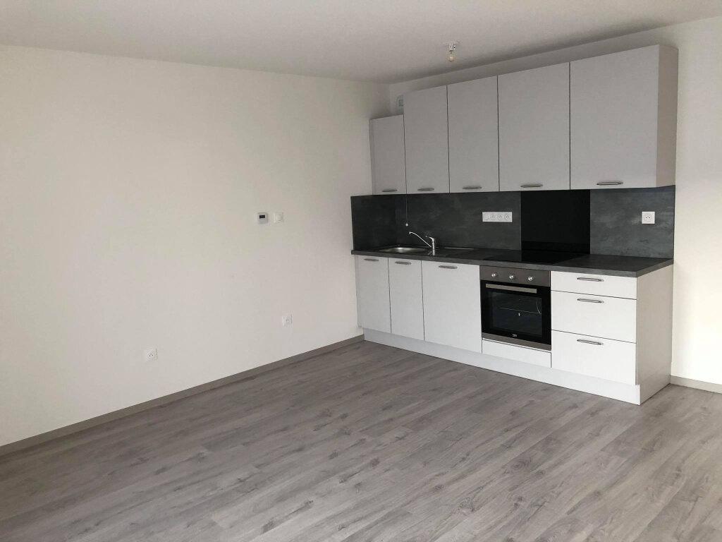 Appartement à louer 3 62.12m2 à Brumath vignette-1