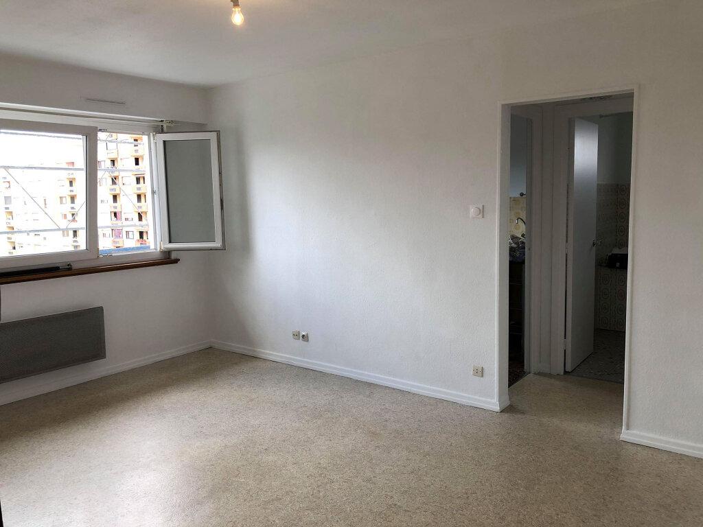 Appartement à louer 1 31m2 à Bischheim vignette-2