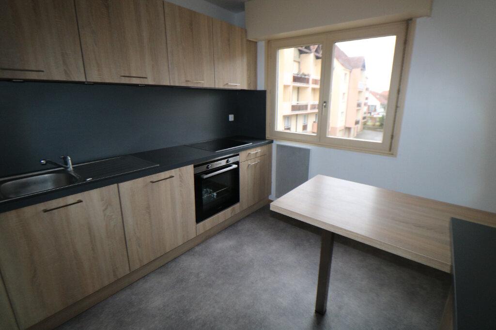 Appartement à louer 4 78m2 à Souffelweyersheim vignette-5