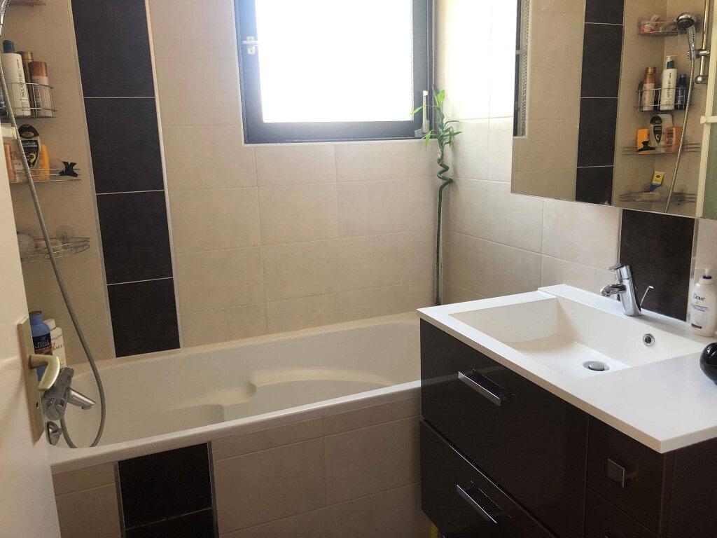 Appartement à louer 3 72m2 à Hoenheim vignette-4