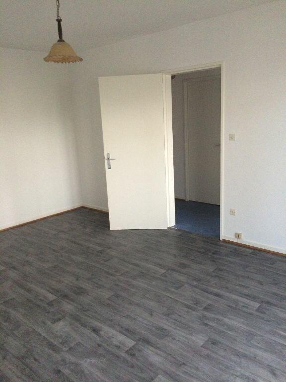 Appartement à louer 1 35m2 à Strasbourg vignette-1
