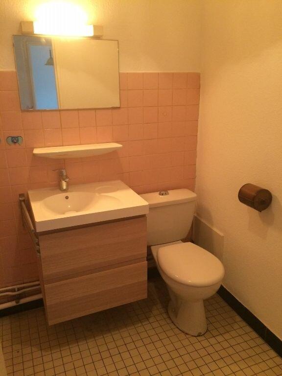 Appartement à louer 1 35m2 à Strasbourg vignette-4