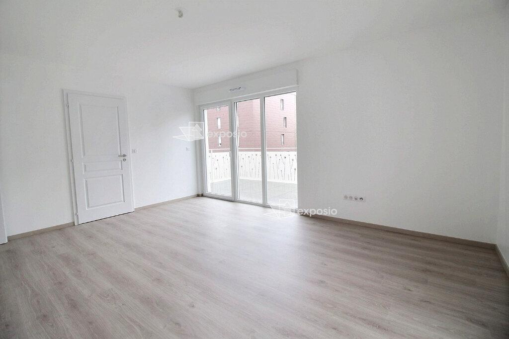 Appartement à louer 3 65.75m2 à Strasbourg vignette-3