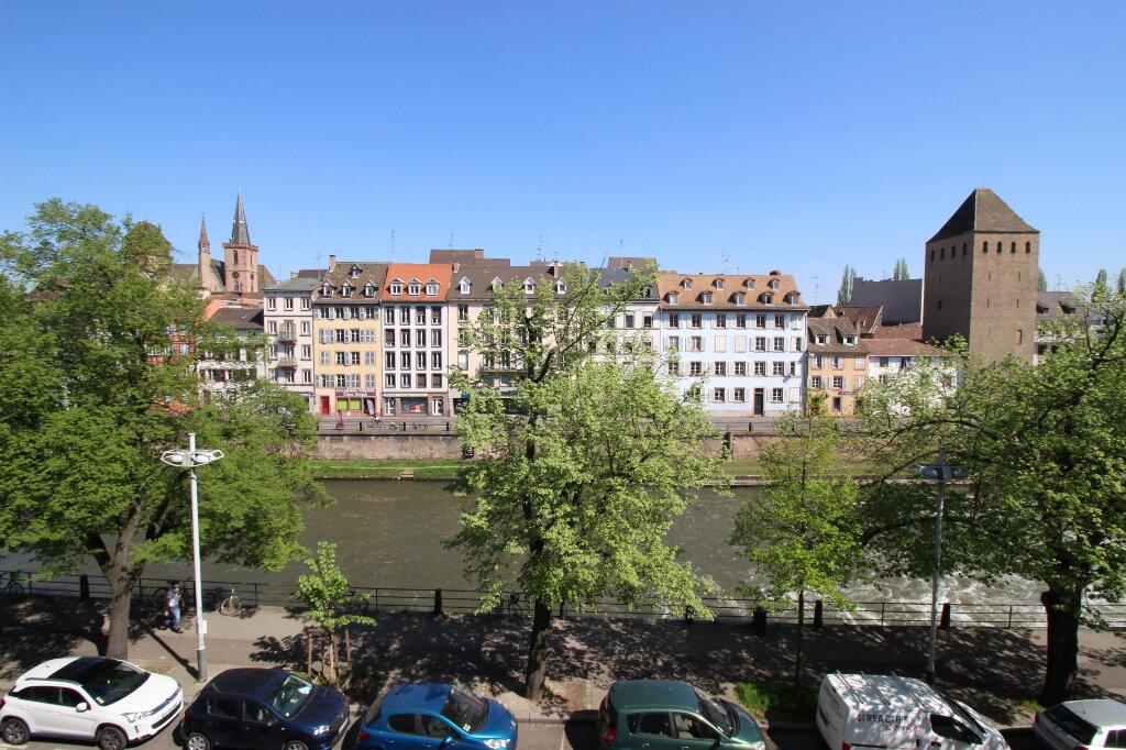 Appartement à louer 2 66m2 à Strasbourg vignette-1