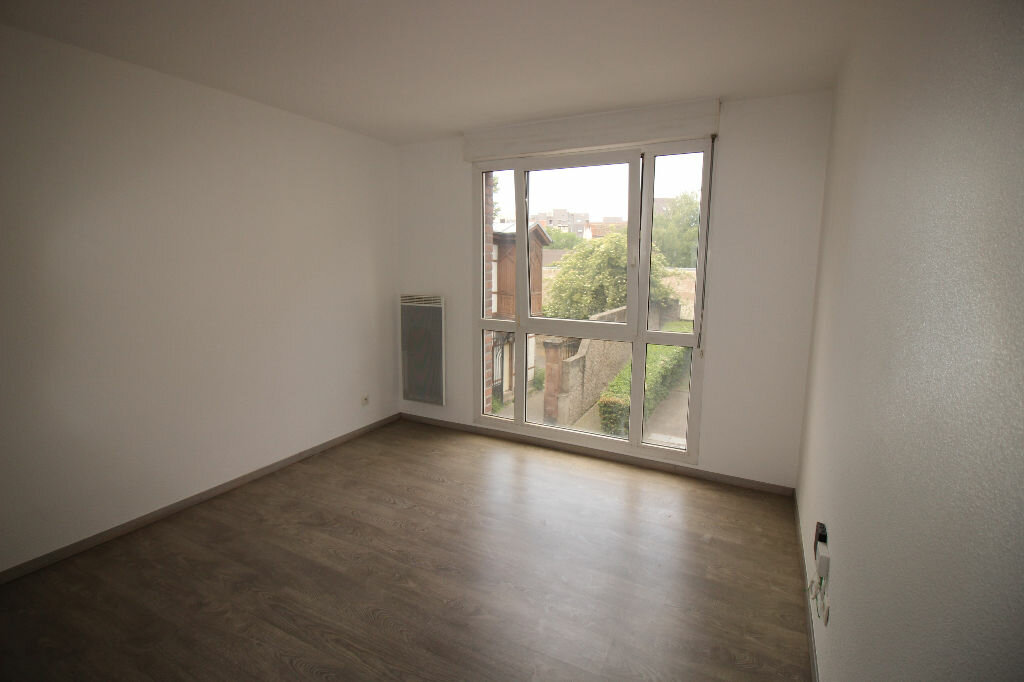Appartement à louer 1 18.78m2 à Strasbourg vignette-1
