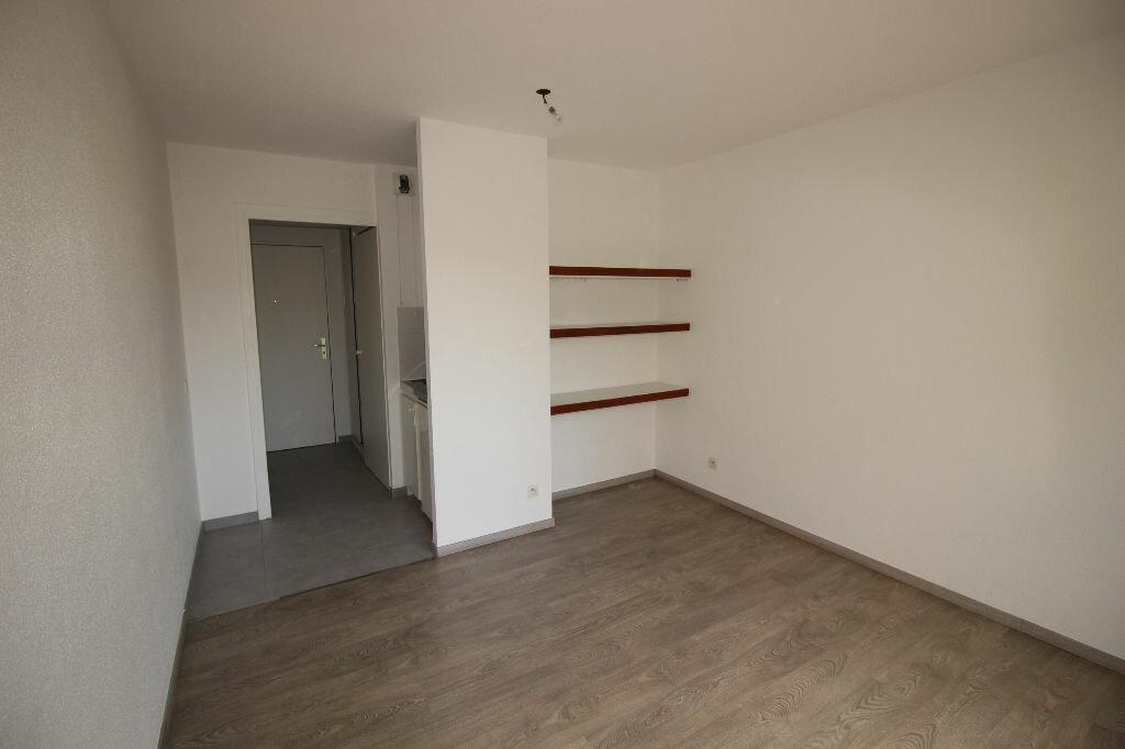 Appartement à louer 1 18.78m2 à Strasbourg vignette-2