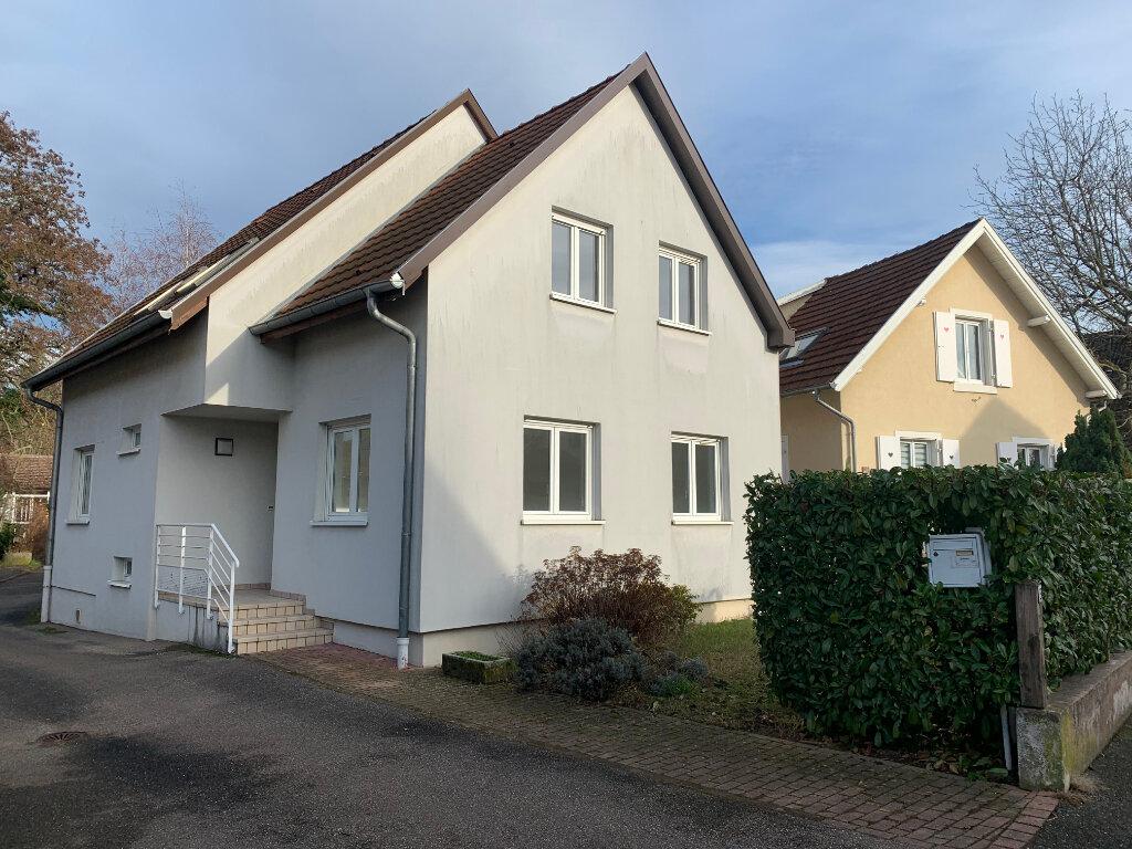 Maison à louer 4 130m2 à Souffelweyersheim vignette-1