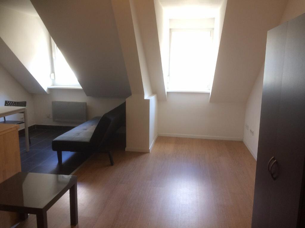 Appartement à louer 1 16m2 à Strasbourg vignette-2