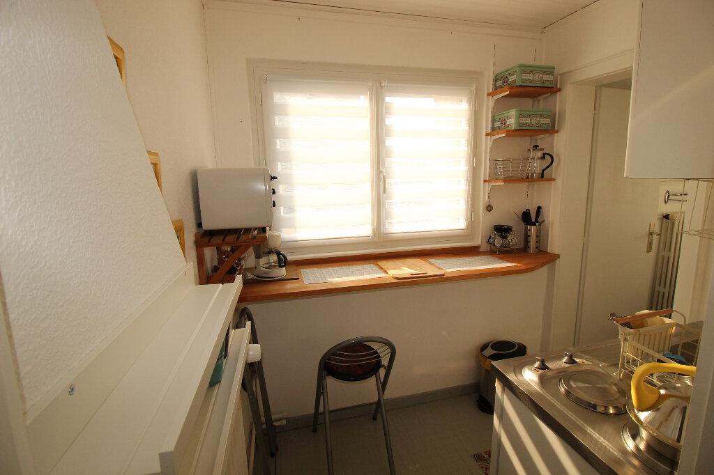 Appartement à louer 1 16m2 à Strasbourg vignette-5
