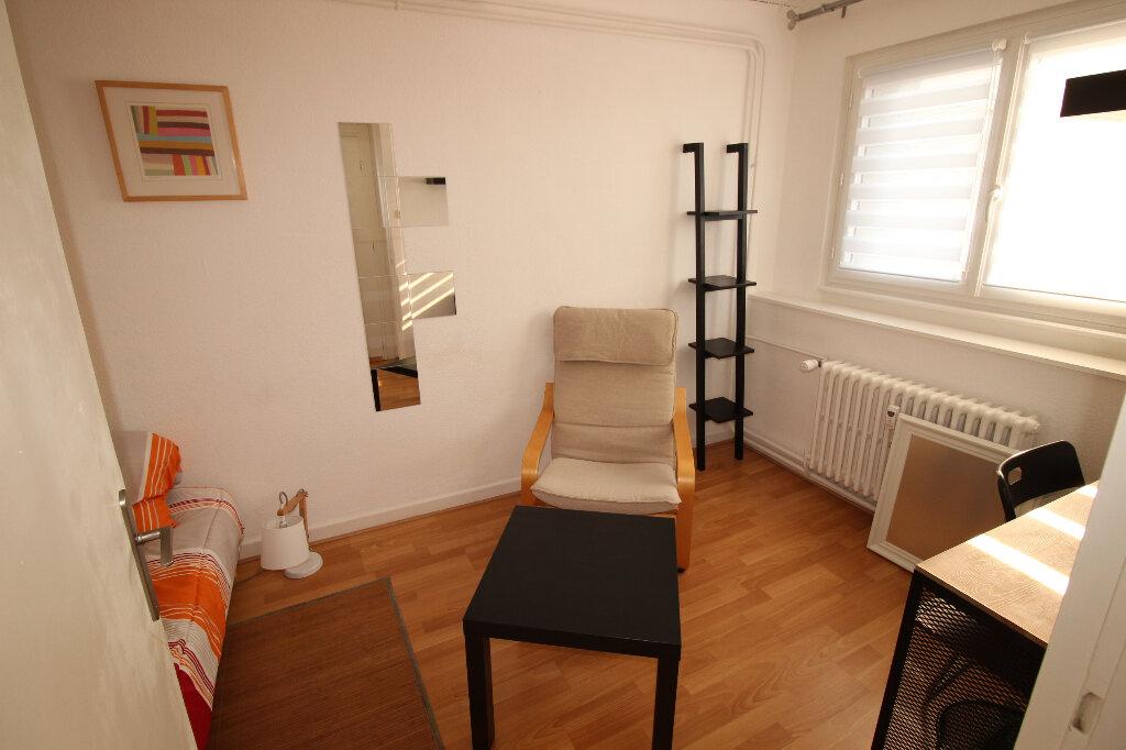 Appartement à louer 1 16m2 à Strasbourg vignette-6