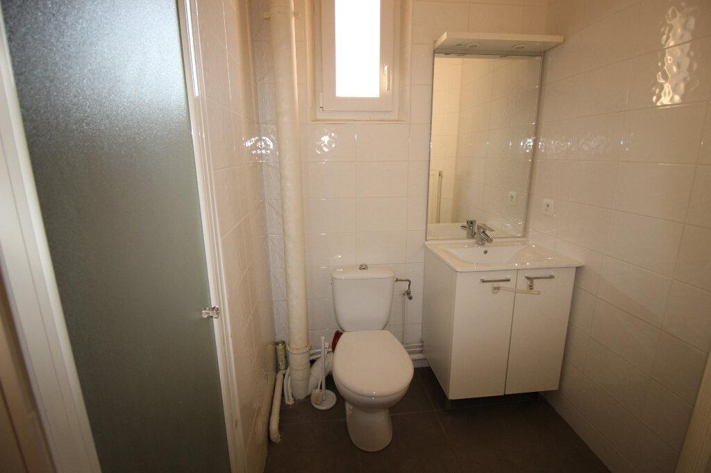 Appartement à louer 3 55m2 à Schiltigheim vignette-6