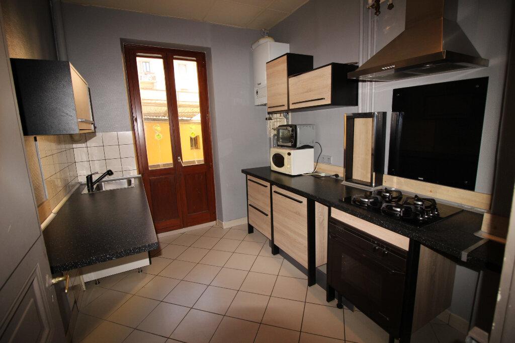Appartement à louer 3 60m2 à Schiltigheim vignette-2