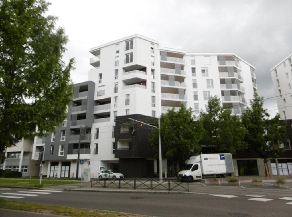 Appartement à louer 2 42.94m2 à Strasbourg vignette-1