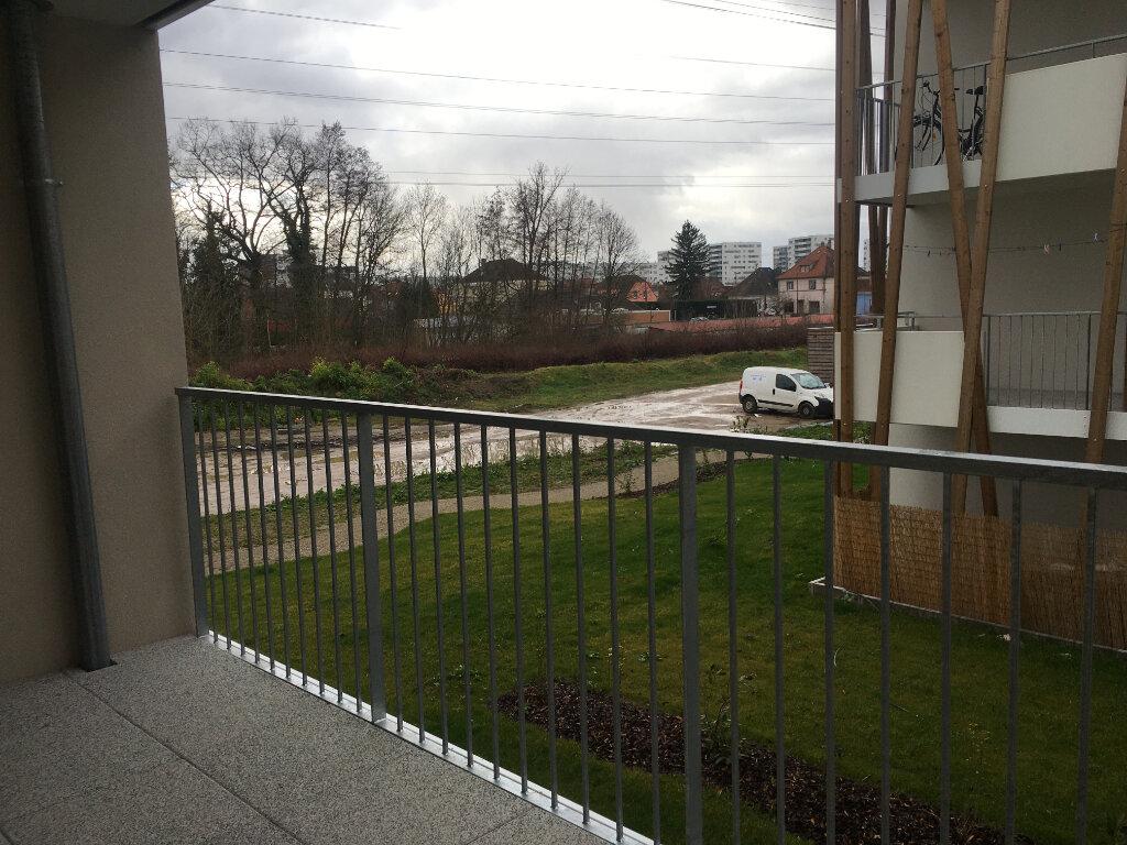 Appartement à louer 3 60.6m2 à Strasbourg vignette-5