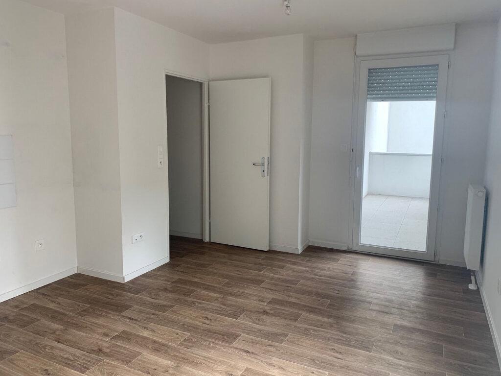 Appartement à louer 2 43.65m2 à Strasbourg vignette-1