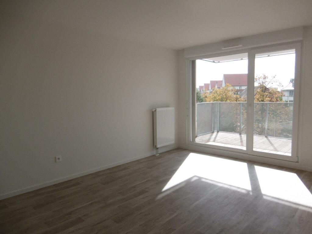 Appartement à louer 3 62.26m2 à Strasbourg vignette-4