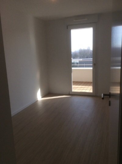 Appartement à louer 3 62.81m2 à Lingolsheim vignette-4