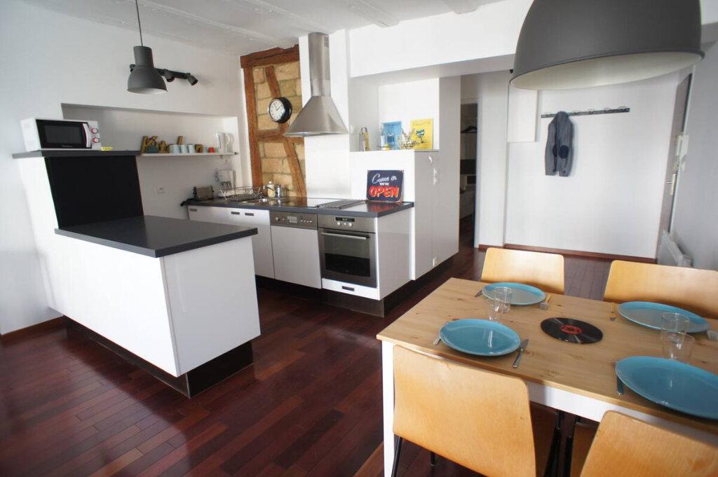 Appartement à louer 2 54.68m2 à Strasbourg vignette-1