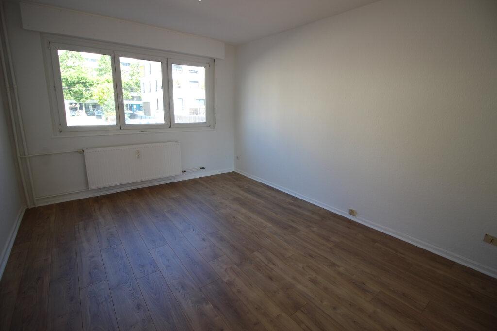 Appartement à louer 2 51m2 à Strasbourg vignette-4