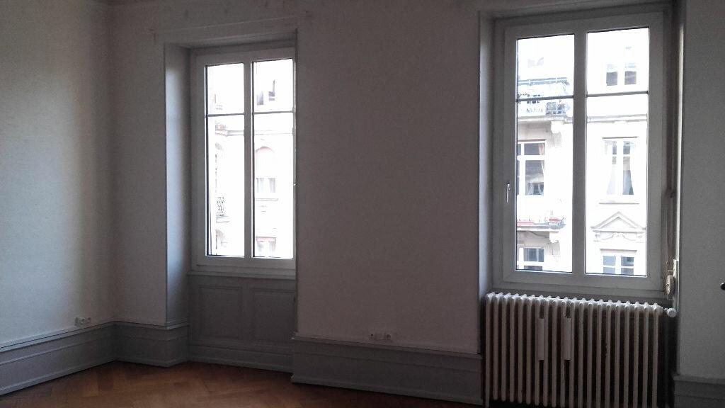 Appartement à louer 6 157.3m2 à Strasbourg vignette-5