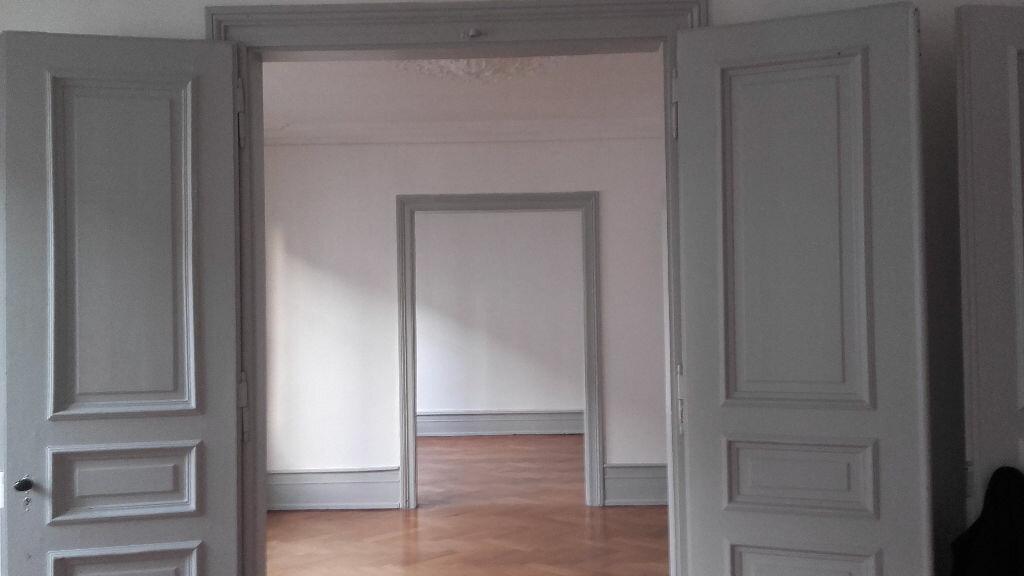 Appartement à louer 6 157.3m2 à Strasbourg vignette-6