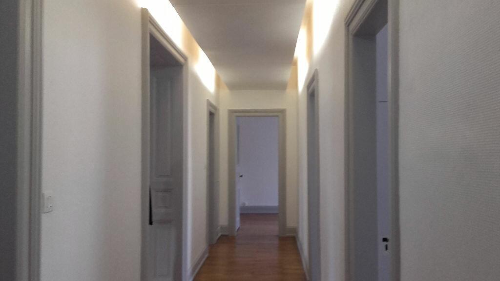 Appartement à louer 6 157.3m2 à Strasbourg vignette-7