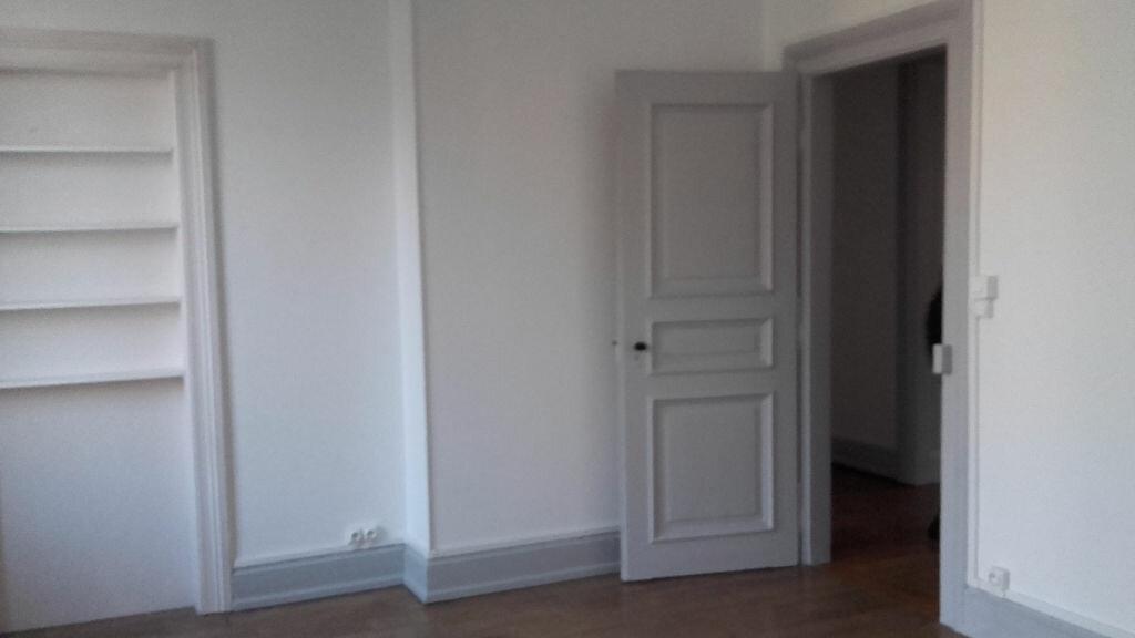 Appartement à louer 6 157.3m2 à Strasbourg vignette-9