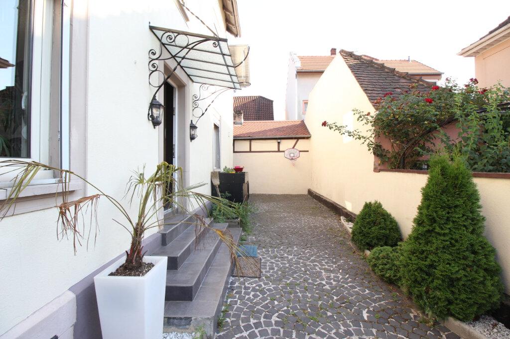 Maison à louer 6 154.11m2 à Schiltigheim vignette-13