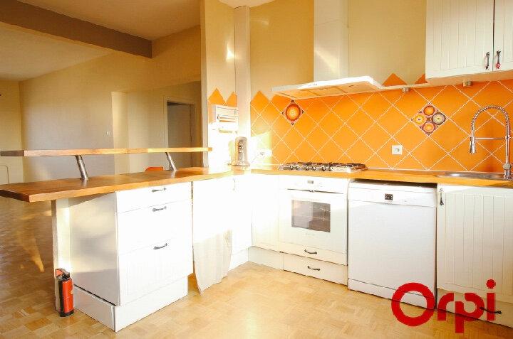 Appartement à louer 3 93m2 à Ostwald vignette-4