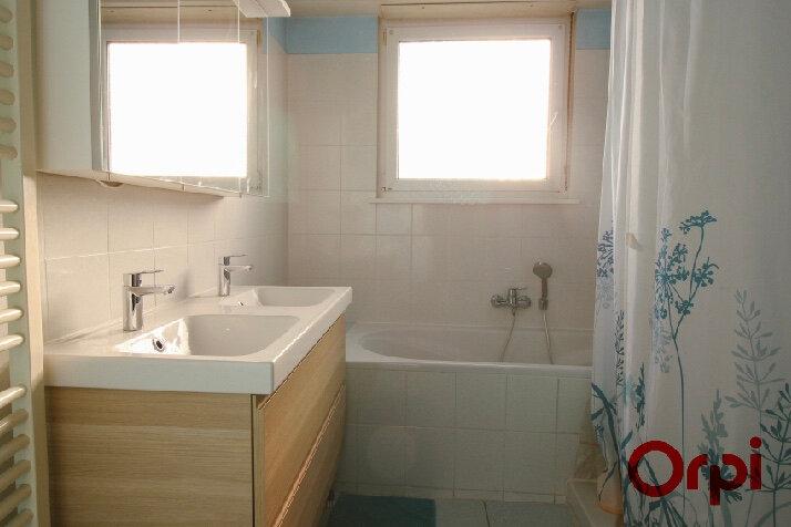 Appartement à louer 3 93m2 à Ostwald vignette-7