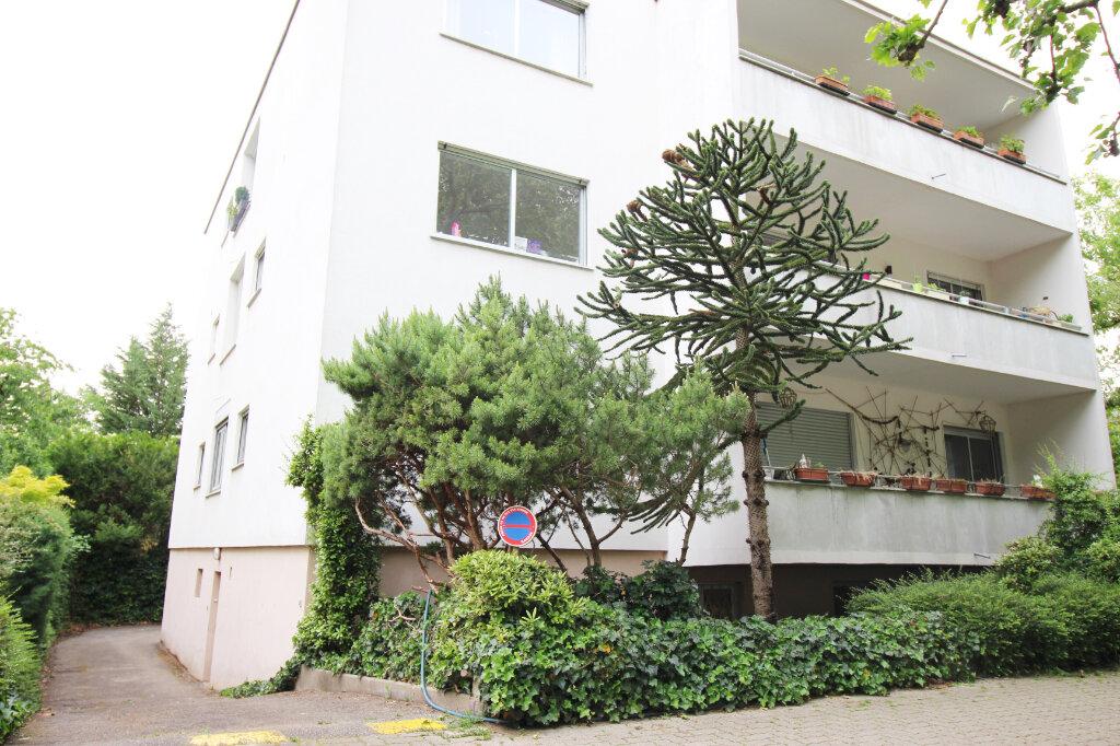 Appartement à louer 2 29m2 à Strasbourg vignette-1