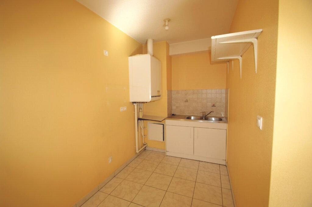Appartement à louer 1 28m2 à Schirmeck vignette-3
