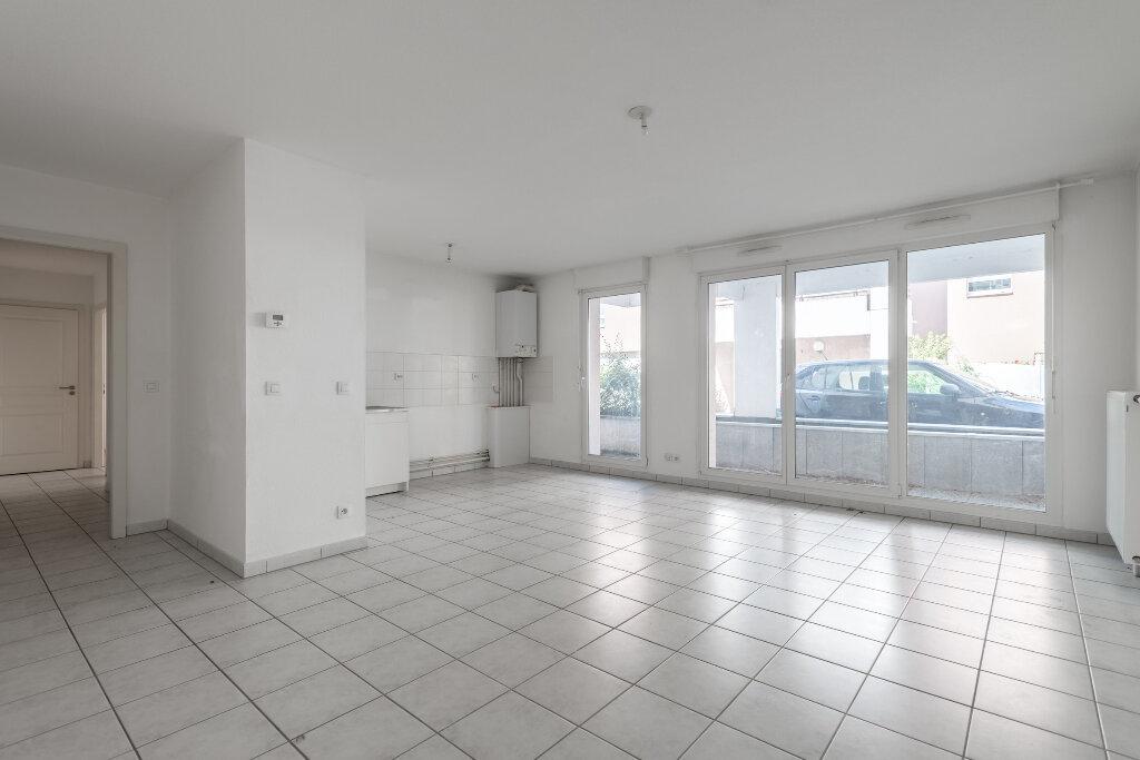 Appartement à vendre 3 67.61m2 à Erstein vignette-3