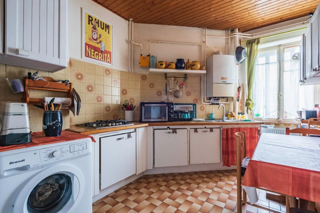 Appartement à vendre 4 81.34m2 à Mulhouse vignette-2