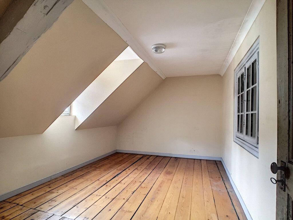 Appartement à vendre 5 155m2 à Sainte-Marie-aux-Mines vignette-4