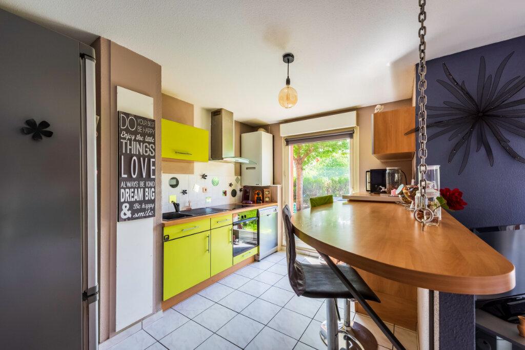 Appartement à vendre 4 77.76m2 à Colmar vignette-2