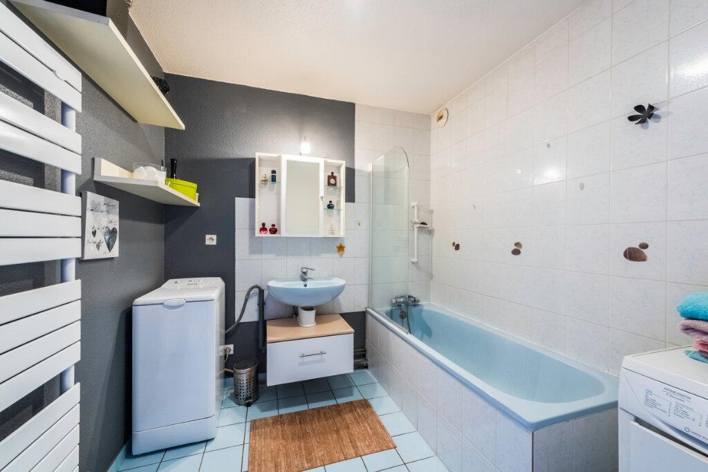 Appartement à vendre 4 77.76m2 à Colmar vignette-3